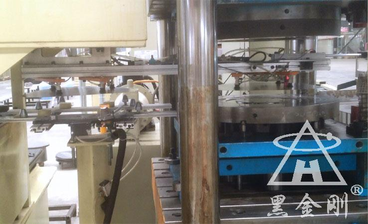 某广州五金部件冲压双片检测器合作案例